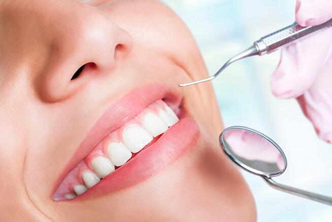 Pós Graduação em Prótese Dentária (Prof. Dr. Angelo Secco e Profa. Dra. Fernanda Paixão Malufe)